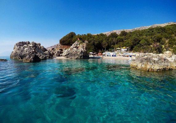 Arnavutluk Sarande Kroreza plajı