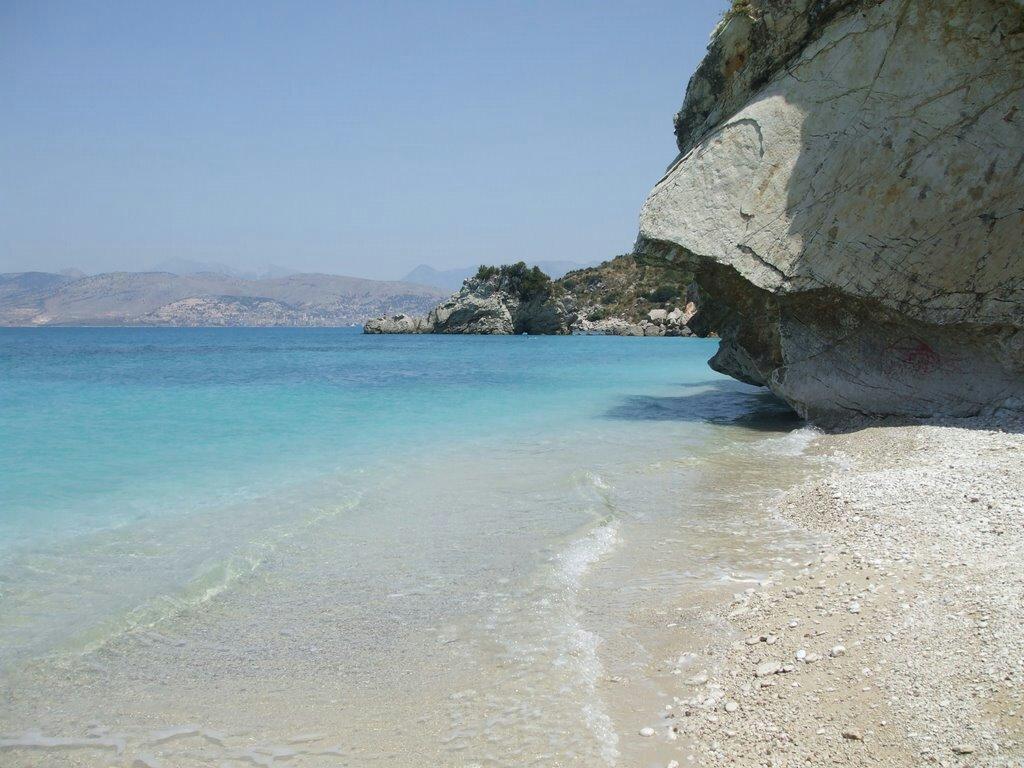 Arnavutluk Sarande Mirror (Pasqyra) Beach