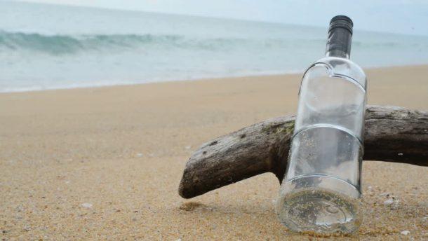 İtalya Hlajları Sardinya'dan kum çalan turist ceza yedi