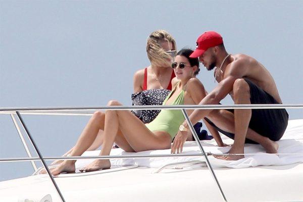 Kendall Jenner ve Khloe Kardashian Meksika tatilinde