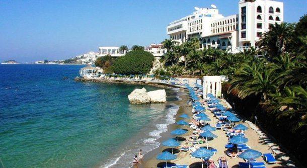 Türkiye'nin Kuşadası'ndaki ünlü oteli el değiştirdi!