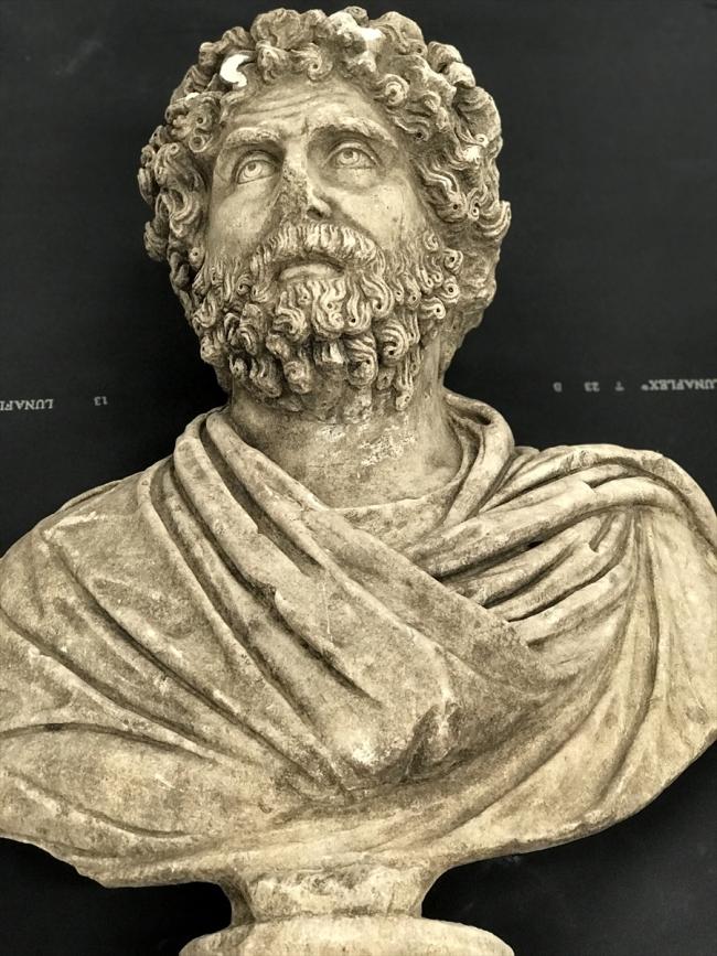 Mersin'deki Soli Pompeiopolis Antik Kenti'nde 1700 yıllık büst bulundu