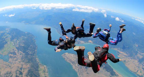 Seyşeller'de heyecan için paraşütü deneyin