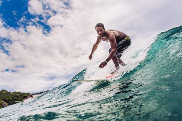 Seyşeller'de eşsiz manzara ile sörf keyfi yaşayın