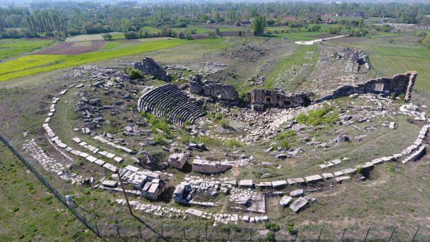 Antik Çağ'da olduğu gibi kayıkla tarihi bir gezinti