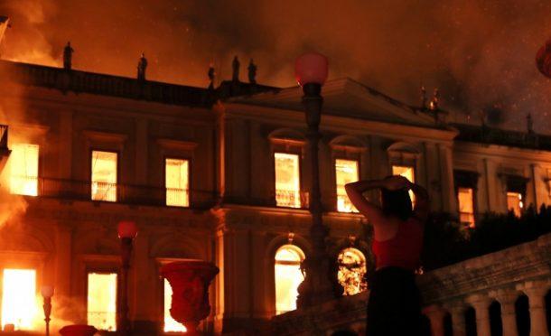 Brezilya'nın ünlü müzesinde yangın çıktı