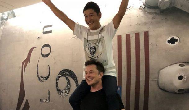 Elon Musk, SpaceX projesinde Ay'a gidecek ilk uzay turistini açıkladı!