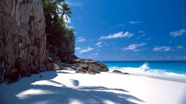 dünyaca ünlü plajları Grand Anse, Anse Coco ve La Digue'de plaj keyfi