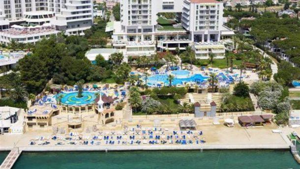 Haluk Ulusoy'un Kuşadası'ndaki ünlü oteli Fantasia satıldı!