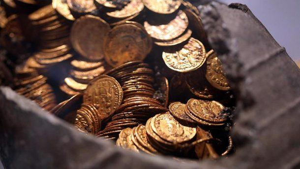 İtalya'da bulunan Roma dönemine ait altın paralar heyecan yarattı!