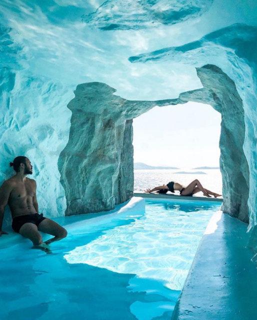 Pelin Akil ile eşi Anıl Altan, Yunan Adası Mykonos'ta aşka geldi!