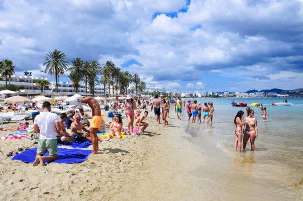 Playa D'en Bossa Plajı İbiza - İspanya