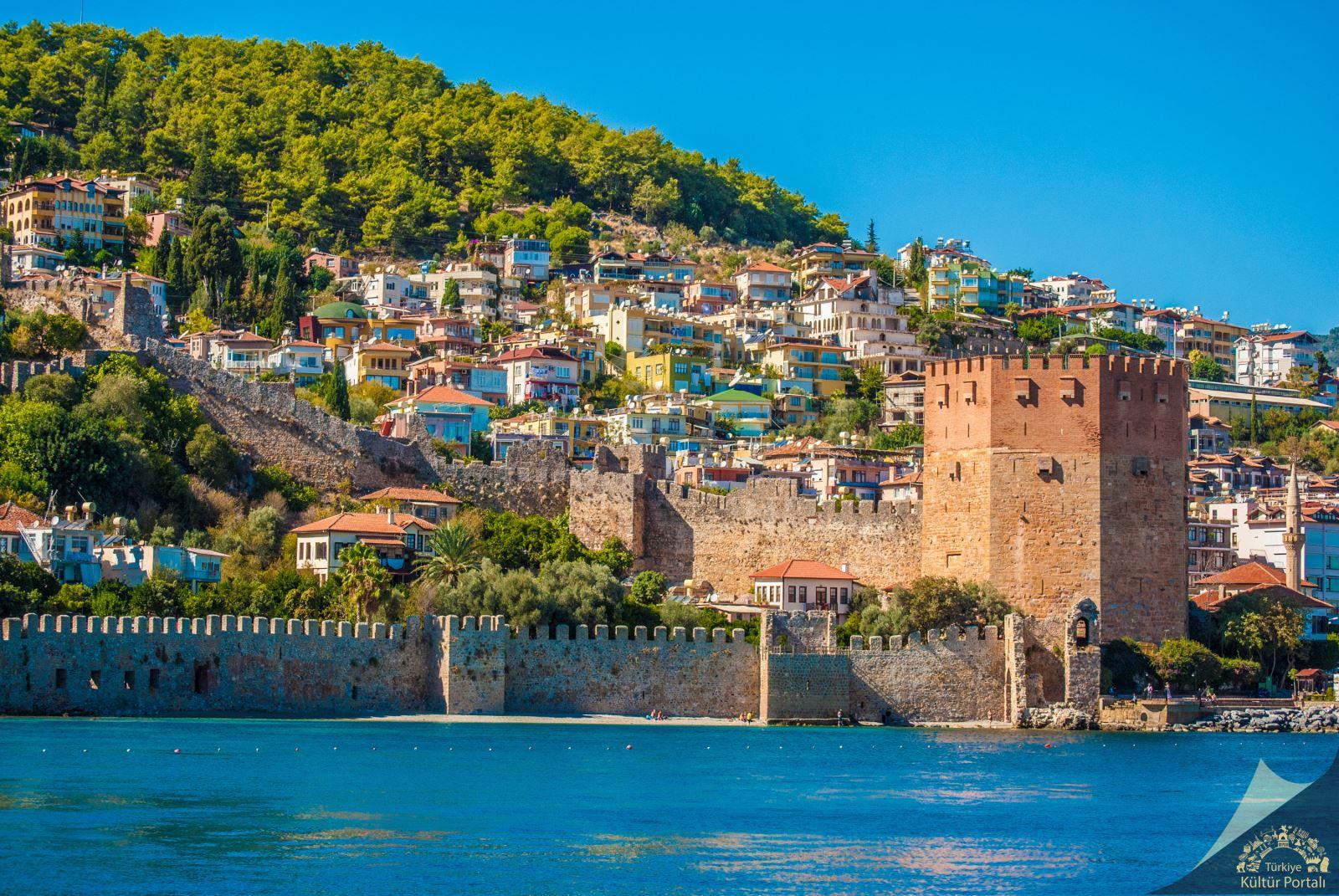 Türkiye'nin en görkemli kaleleri Alanya Kalesi
