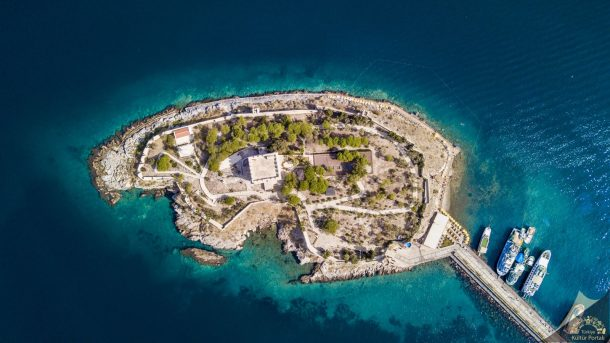 Türkiye'nin en görkemli kaleleri Güvercinada Kalesi- Aydın