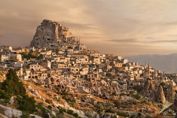 Türkiye'nin en görkemli kaleleri Uçhisar Kalesi-Nevşehir