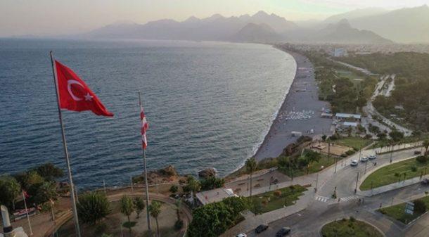 Türkiye'nin turizm başkenti Antalya 8 ayda 180 ülkeden 9 milyon turisti ağırladı!
