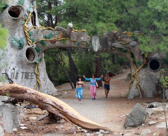 Antalya Kemer Hayalet Otel turistlerin ilgi odağı