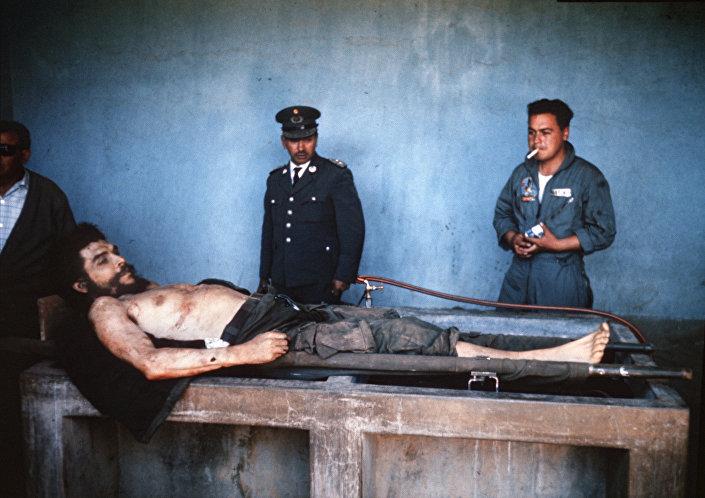 Arjantinli devrimci, Küba efsanesi Che Guevara 51. ölüm yıldönümünde anılıyor