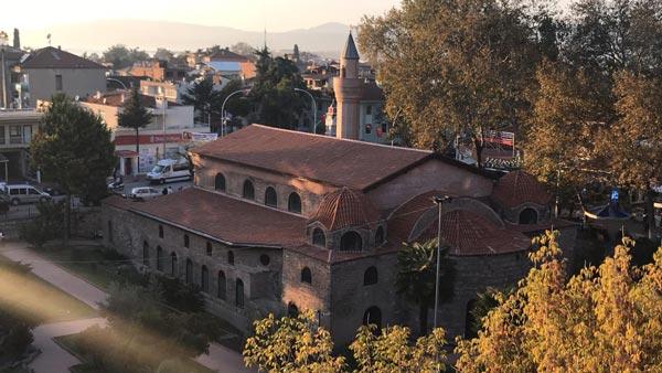 Ayasofya Orhan Cami'ne cam kapı takılmasına büyük tepki geldi