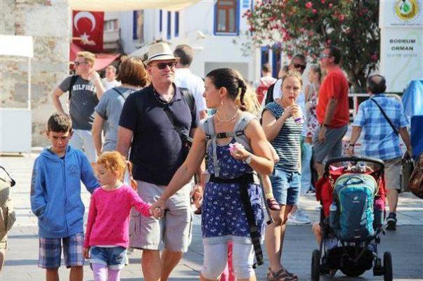 Bodrum'a kruvaziyer ile 2500 turist geldi