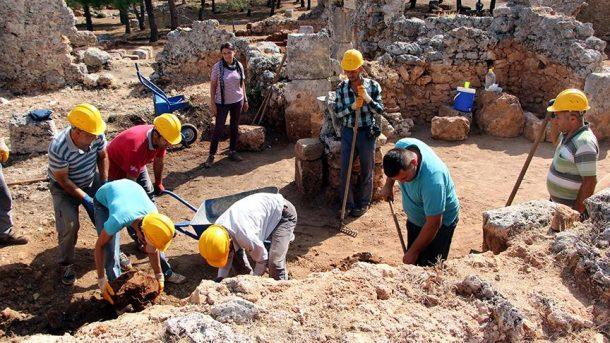 Definecilerden yola çıkarak, 2200 yıllık antik kent buldular!