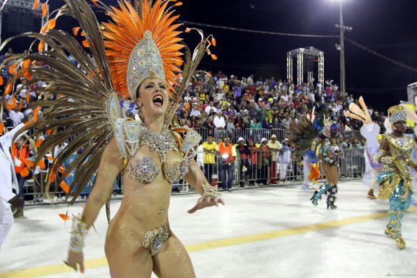 Karnavala her sene 1 milyon turist katılıyor