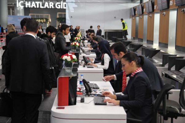 İstanbul Havalimanı'ndan ilk uçak havalandı.