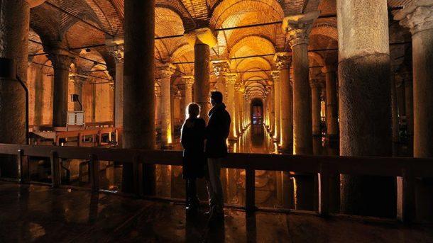 Turistler müzeleri artık senfonik ezgiler eşliğinde gezecek!