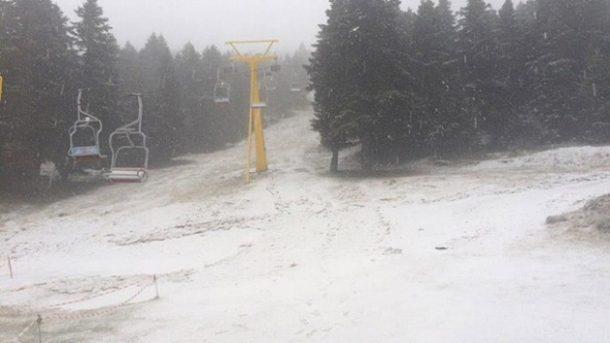 Kış turizminin başkenti Uludağ'a mevsimin ilk karı yağdı!