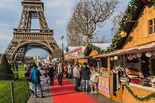 Aşk kokan Paris'in en güzel Noel pazarları