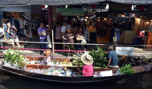 Şehirleşmeye rağmen pazarlara ilgi artıyor
