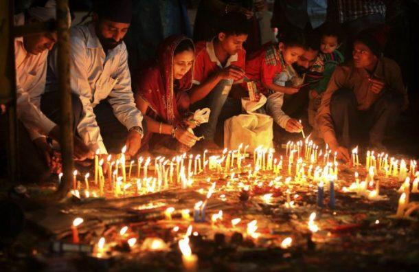 Diwali Işık Bayramı'nda resmi tatil ilan ediliyor