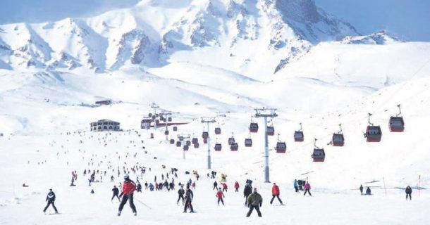 Erciyes Kayak Merkezi'nin bu yılki hedefi 2 milyon 250 bin turist!