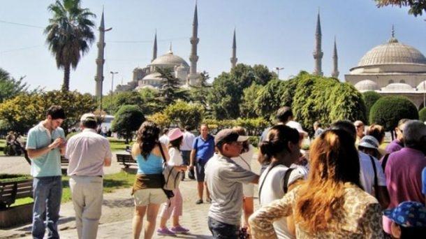 Türkiye'de en çok geceleyen turistler Letonyalılar!