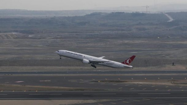 İstanbul Havalimanı'ndan Bakü'ye ilk uçuş 121 yolcuyla yapıldı