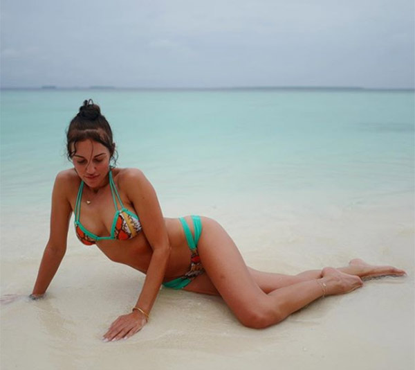 Ünlü oyuncu Meryem Uzerli, Maldivler'de tatilin keyfini çıkarıyor!