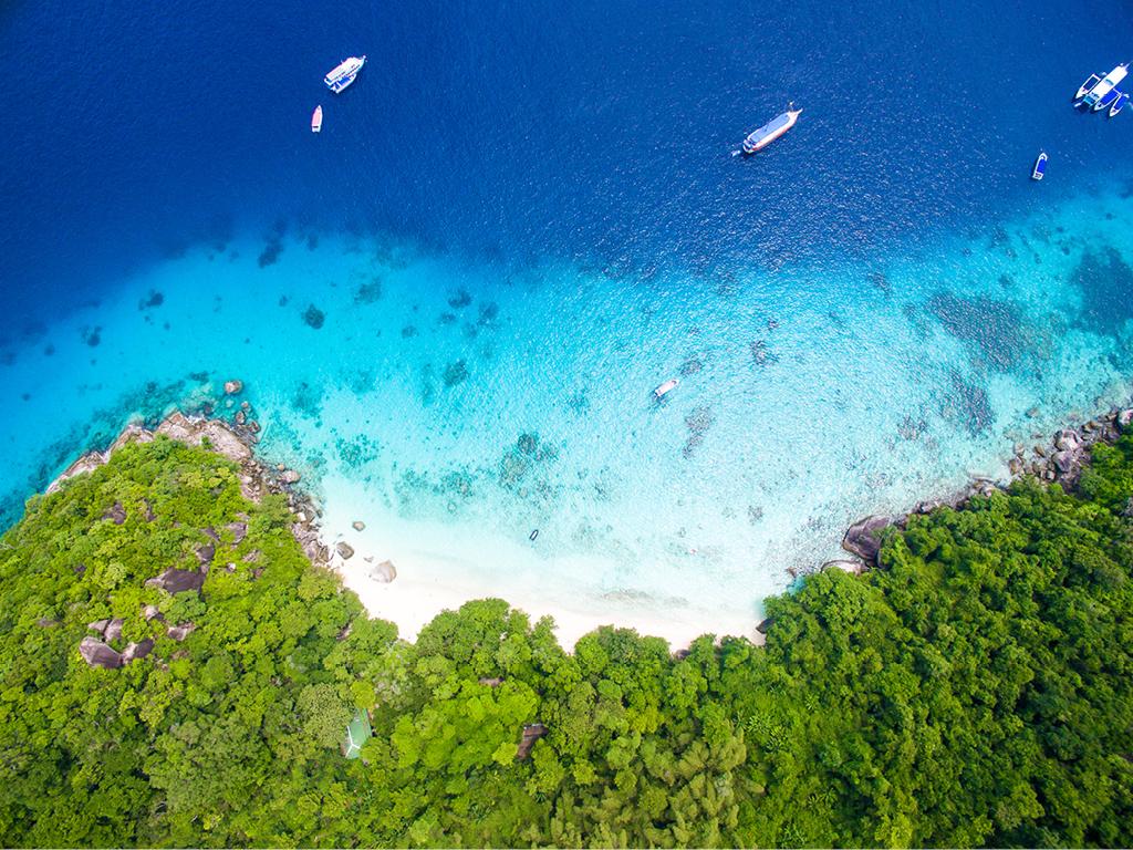 Hint Okyanusu'nun en güzel adalarından biri Reunion
