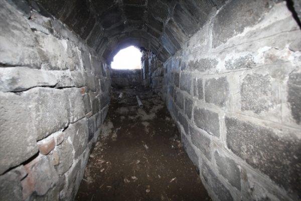 Su kanalı ve kanala ulaşan tünel keşfedildi