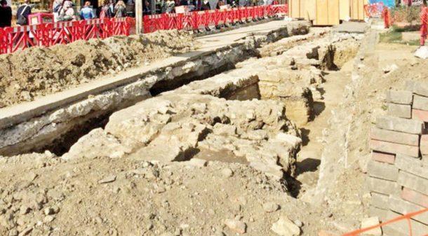Üsküdar'daki İSKİ çalışmasında asfaltın altından tarih fışkırdı!