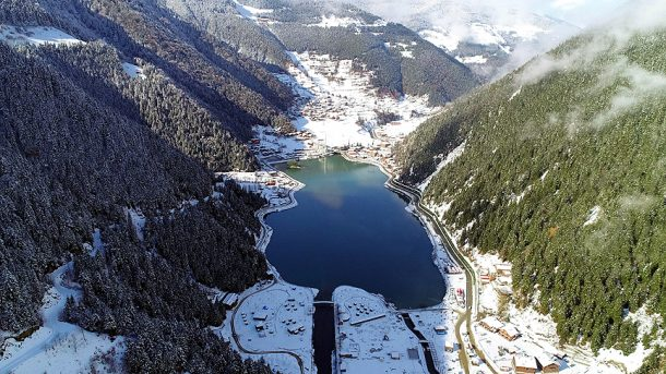 Trabzon Çaykara'ya bağlı Uzungöl turistlerini gözdesi