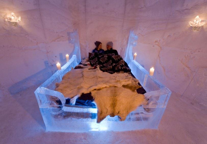 Norveç Sorrisniva Igloo Hotel balayı çiftlerinin de gözdesi