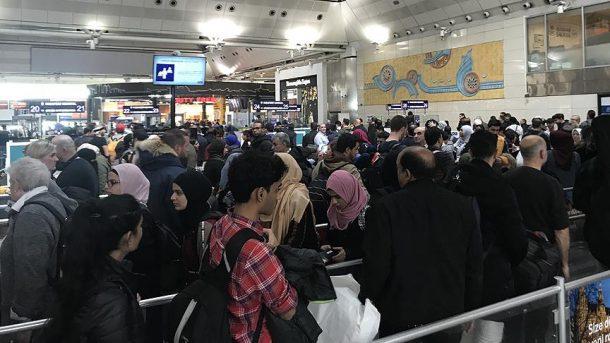 Atatürk Havalimanı'nda yılbaşı yoğunluğu başladı!