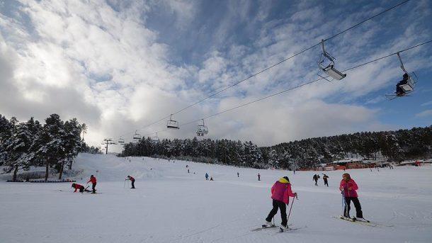 Cıbıltepe Kayak Merkezi kayakseverlerin akınına uğradı