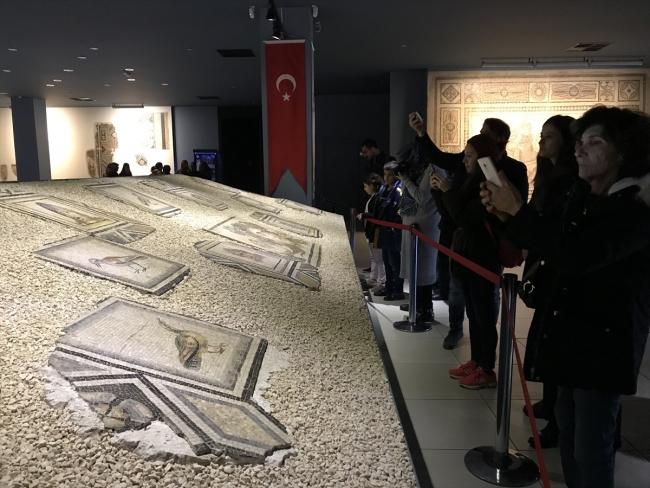 Çingine Kazı kayıp mozaiklere ilgi büyük