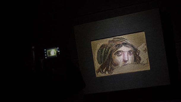 Çingene Kızı mozaiğinin parçalarını bakan Ersoy tanıtacak!