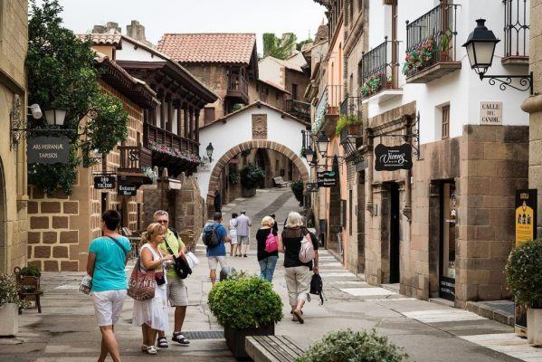 İspanya'da turizm geliri 92 milyar dolara ulaştı!