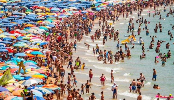 Turistlerin Türkiye'de kredi kartı harcamasında patlama yaşandı!