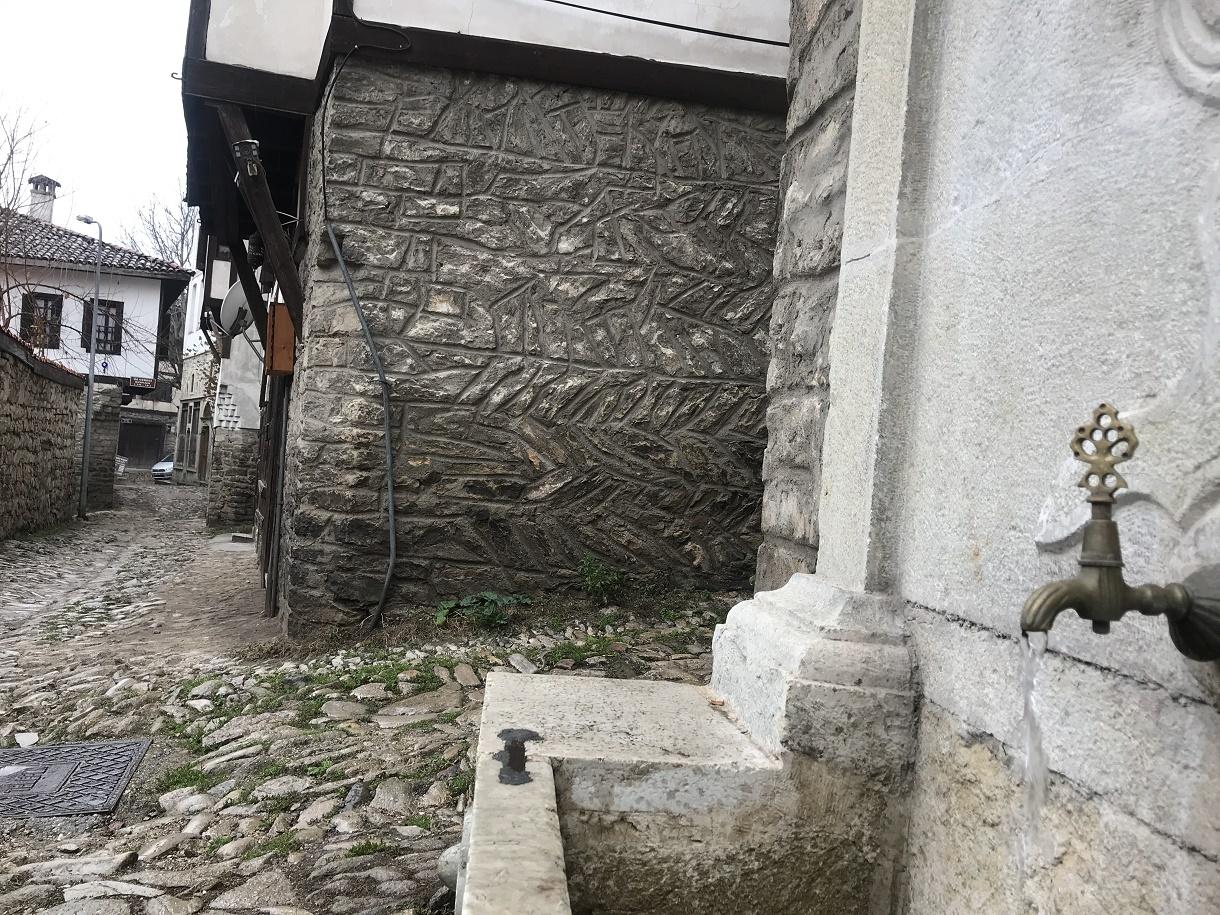 Tarihi çeşmelerin restorasyonu durduruldu