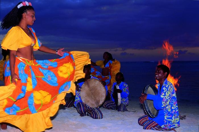 Balayı adası Mariutius'ta Saga dansı yapın