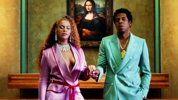 Jay-Z ve Beyonce çiftinin Paris'teki Louvre Müzesi'nde selfie